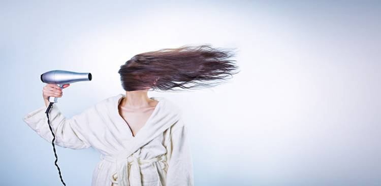 7 Reasons your Hair is Dry and Brittle